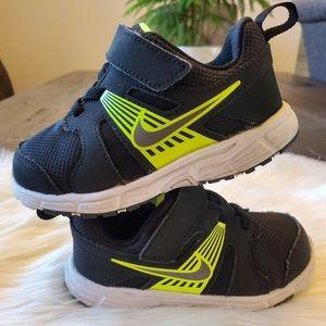 Nike Revolution Sneaker Size 8c